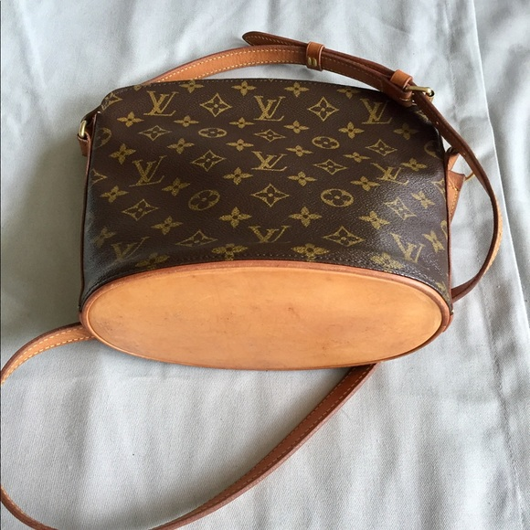36d33de23a9e Louis Vuitton Handbags - Louis Vuitton Drouot Bag